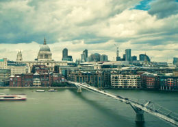 bnp paribas video voiceover london thames stpauls